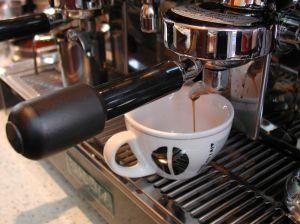 איזו מכונת קפה לעסק מומלץ להשכיר?