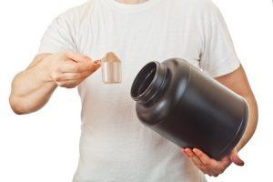 צריכת חלבון חטיפים או שקיים מקור חלבון נוסף טבעי