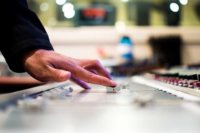 איך תפיקו קליפ מוסיקה משלכם
