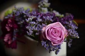 לשלוח פרחים