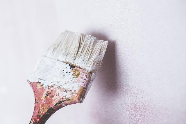 לצבוע את הקירות על העובש – האם זה כדאי?