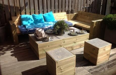 אפשרויות עיצוב שונות לפינות ישיבה לגינה