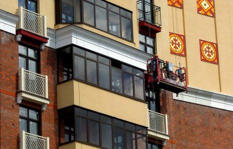 שיקום מבנים חיצוניים באמצעות עבודה בגובה